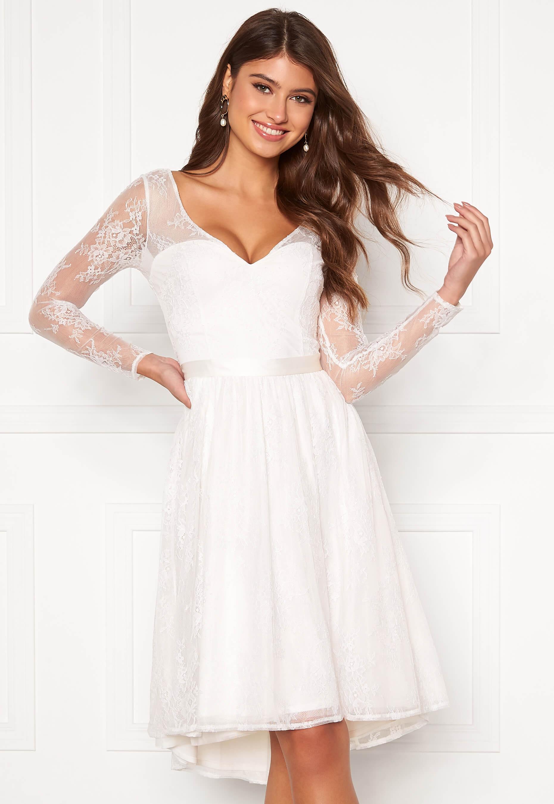 vita klänningar till studenten