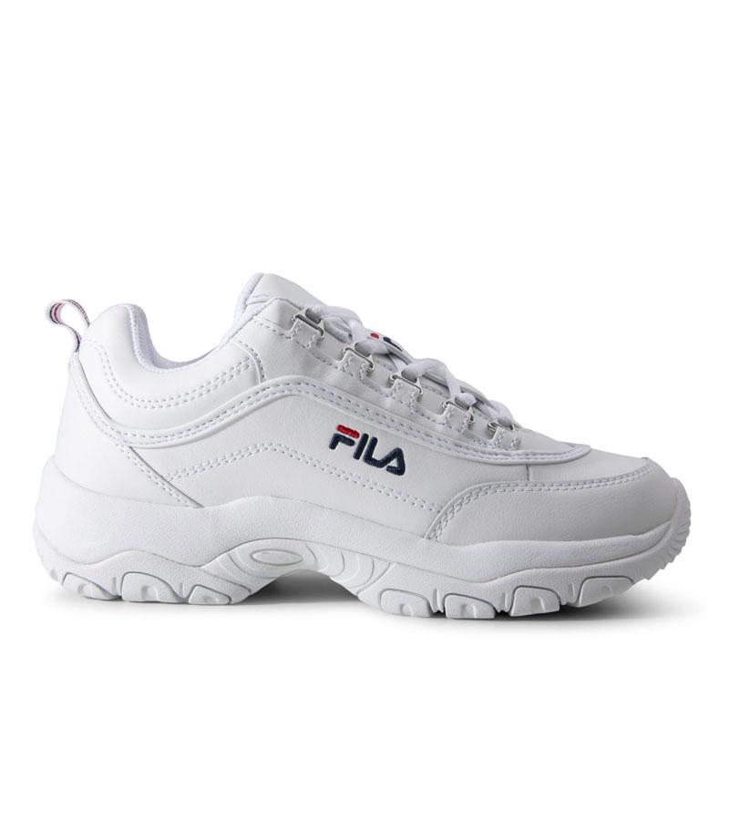 Vita FILA sneakers till studentexamen