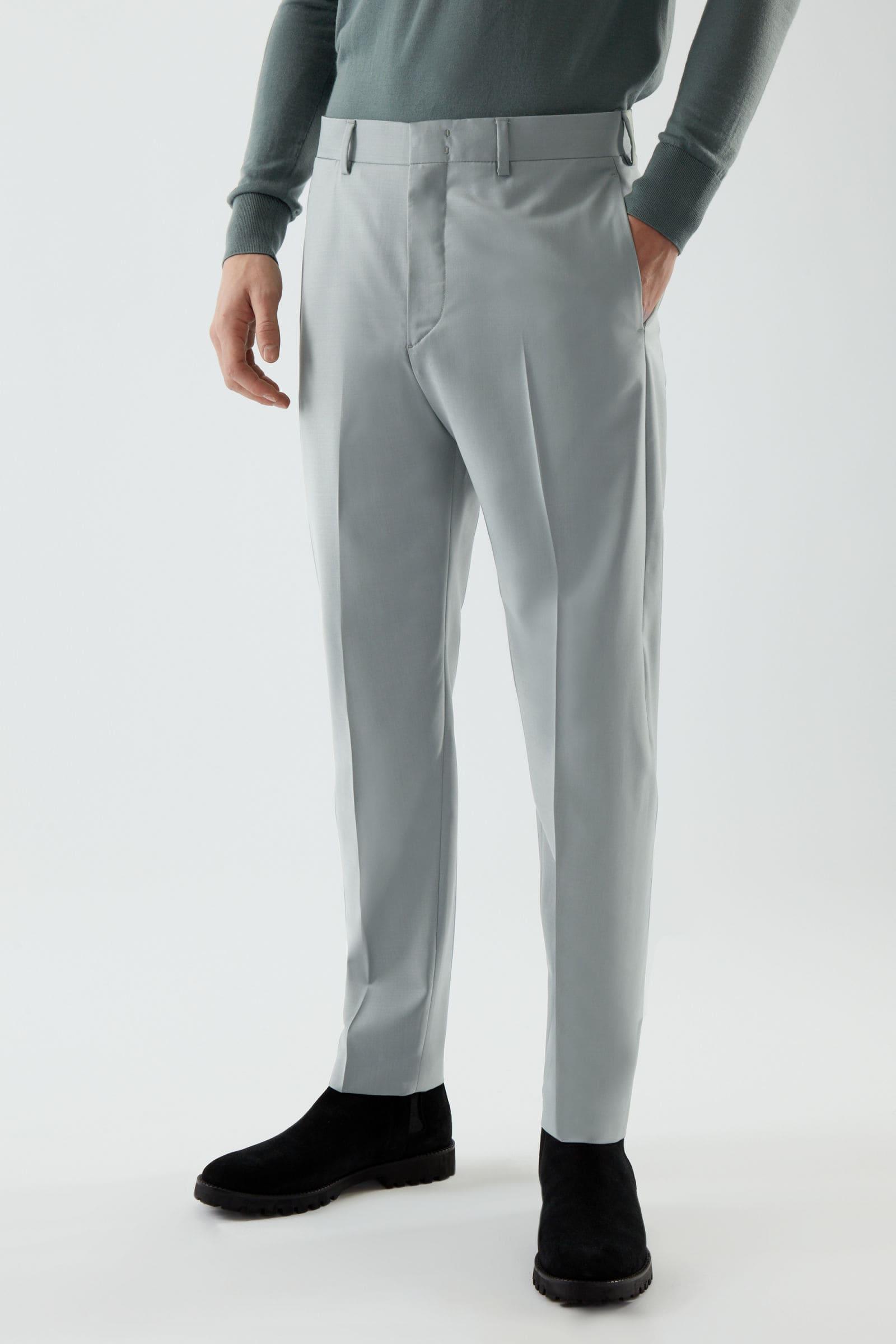 Gråa kostymbyxor till studentkavaj för herr